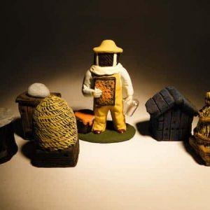 Apiculteur en 5 ruches en 7 cm
