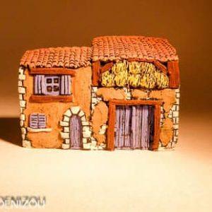 Mini Grange en Plâtre pour santons puces (2 cm)
