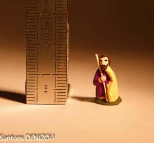 Santon de Joseph au format puce 2 cm